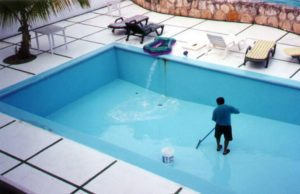 pool_cleaning1